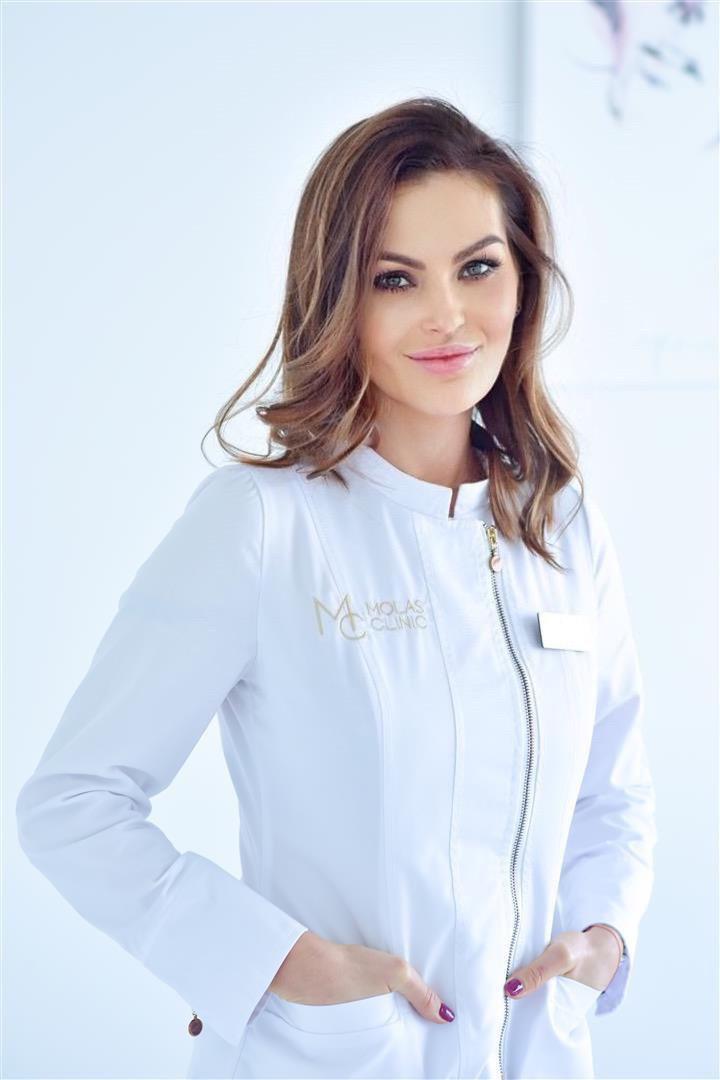 dr Karolina Mołas